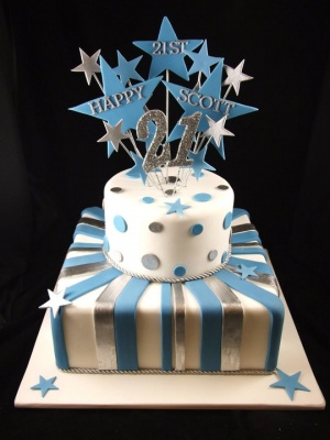 21st_cake_2_tier_panels_silver_blue_stars