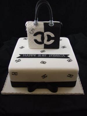 21st_cake_chanel_bag_cake