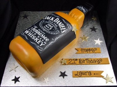 21st_cake_jack_daniels_bottle